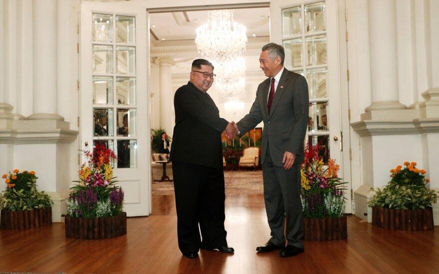 Kim Jong Unas susitiko su Singapūro premjeru