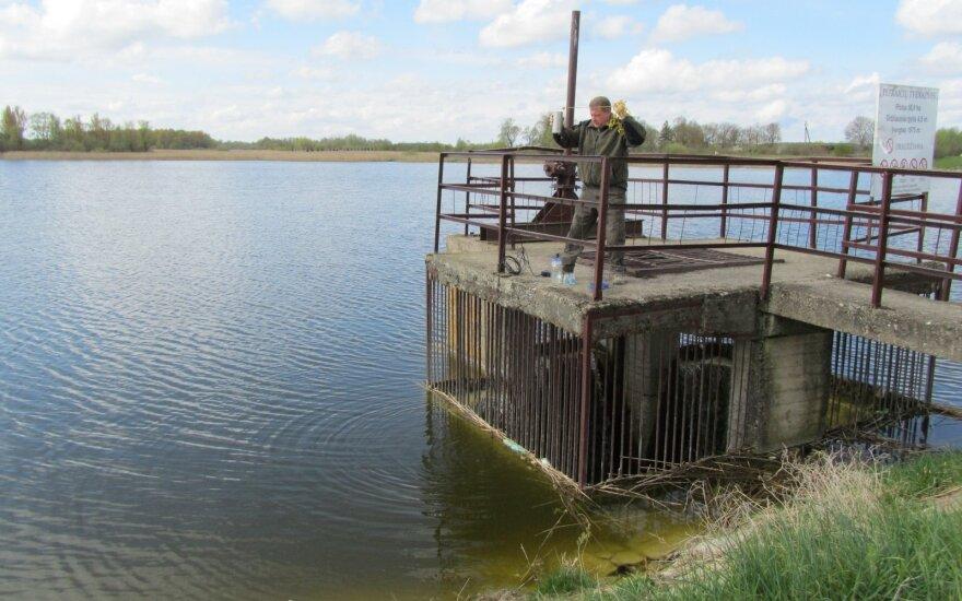 Po katastrofos Petraičių tvenkinys vėl tinkamas gėlavandenėms žuvims veistis