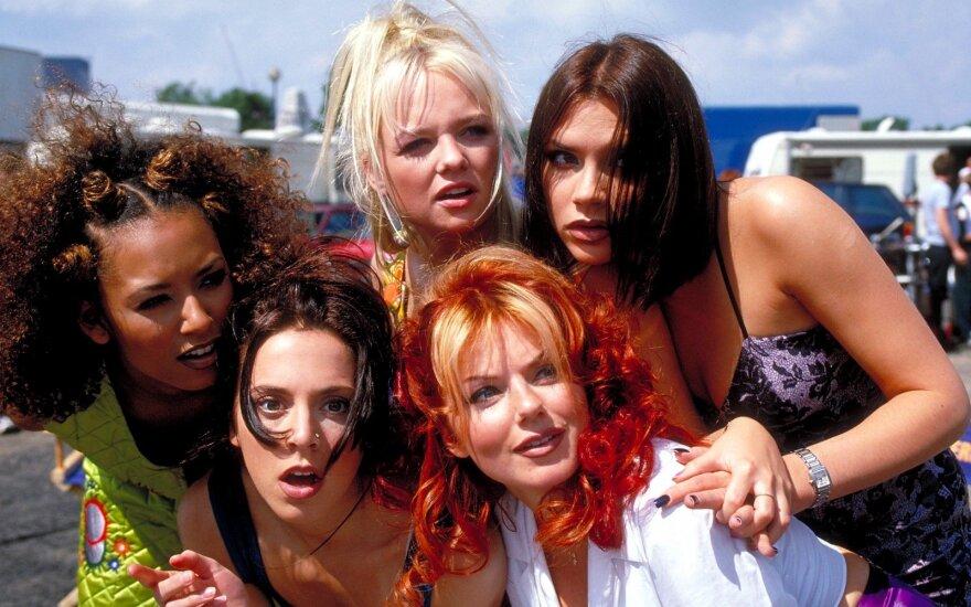 """Biseksualumo neslepianti Mel B iš """"Spice Girls"""" išdavė, kad yra turėjusi intymių santykių su kita grupės nare"""