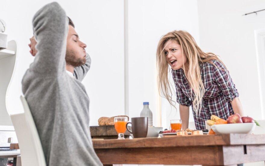 Smurtauju prieš savo vaikiną psichologiškai ir net fiziškai: nežinau, kaip išeiti iš šio užburto rato