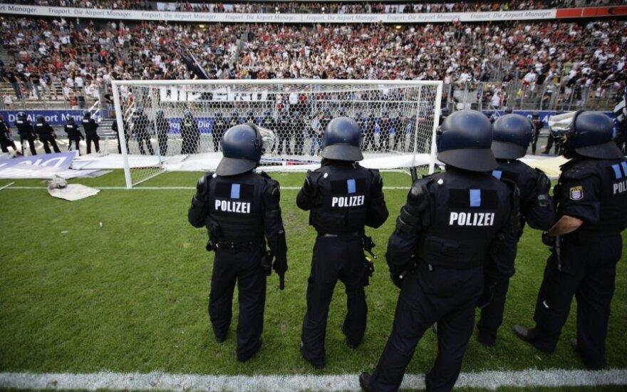 Riaušių policija futbolo stadione