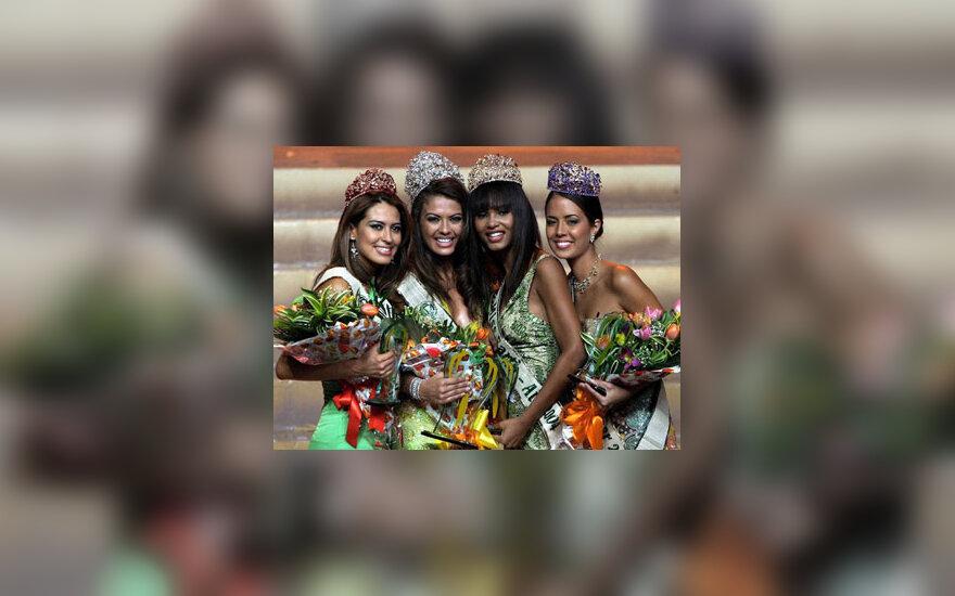 """""""Mis Žemė"""" 2004 konkurso nugalėtojos"""