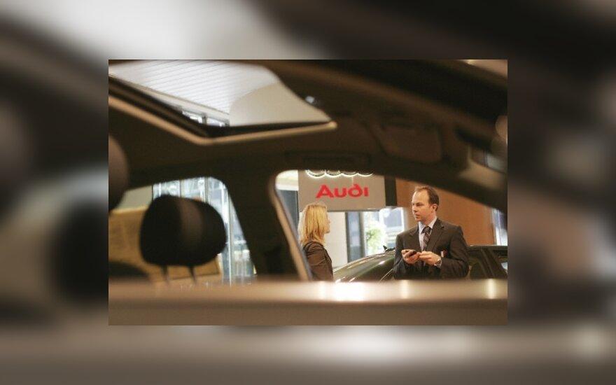 Vasarį daugiausiai automobilių parduota Italijoje