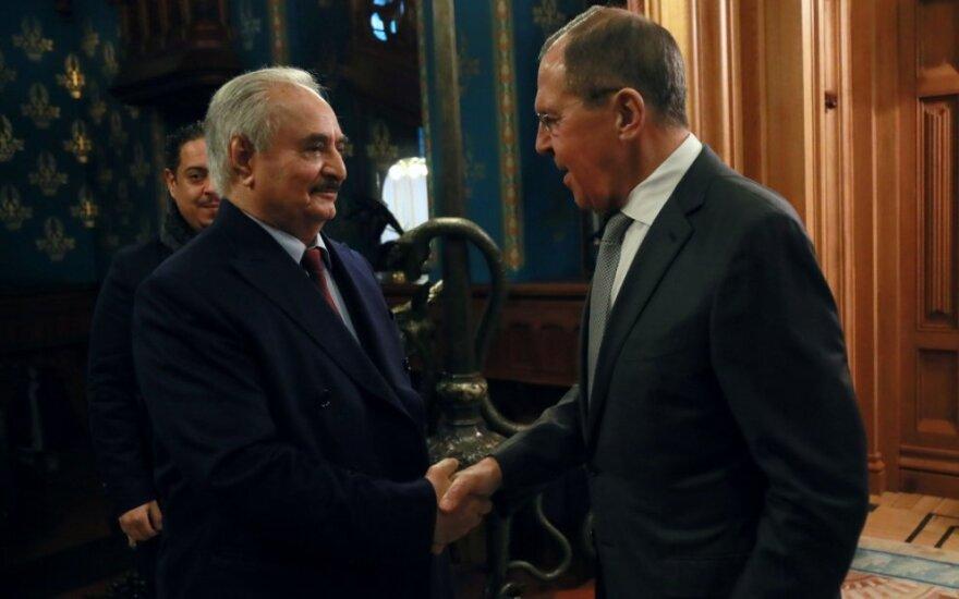 Khalifa Haftaras susitinka su Sergėjumi Lavrovu