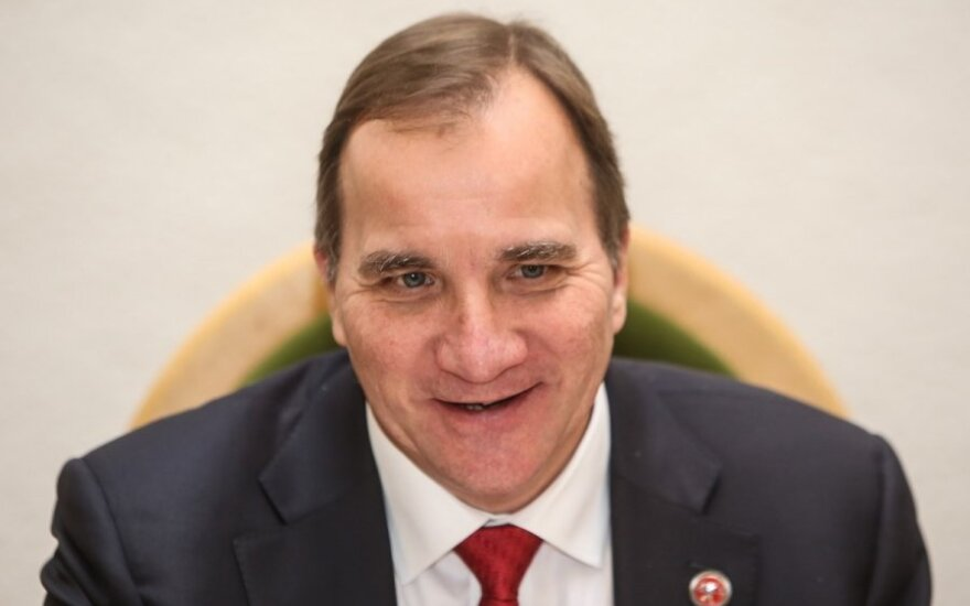 Dėl duomenų skandalo traukiasi du Švedijos ministrai