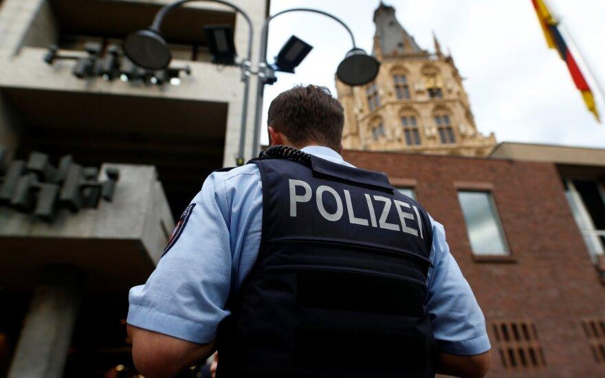 Vokietijoje – demokratijai pavojingos tendencijos: kapituliuoja net policija