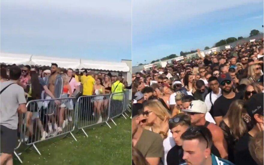 """Festivalis Londone virto fiasko: žmonės """"alpo, šliaužė ir dejavo"""""""