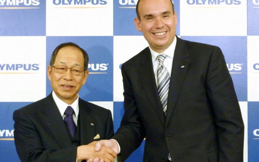 Tsuyoshis Kikukawa ir Michaelas Woodfordas