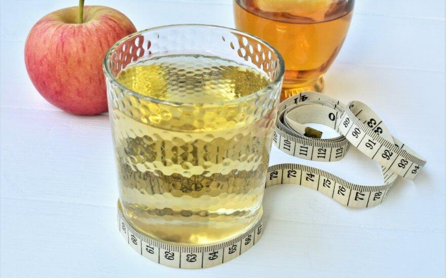 Obuolių sidro acto gėrimas