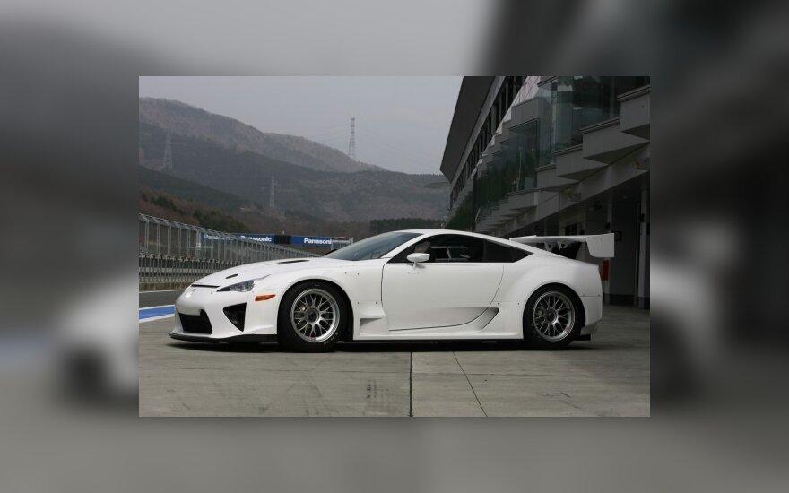 Lenktynėms paruoštas Lexus LF-A
