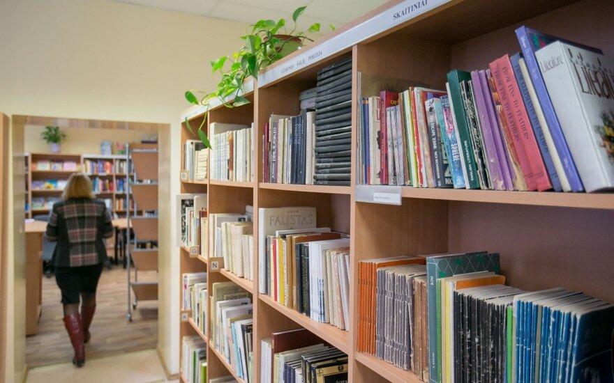 Bibliotekininkai kaime užsimojo įdarbinti jaunimą – kas iš to išėjo