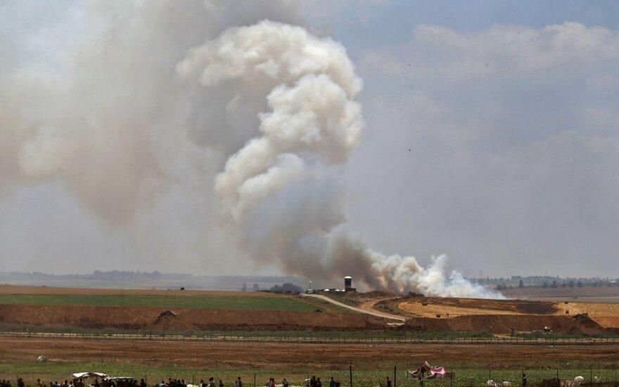 """Izraelio aviacija smogė 11 """"Hamas"""" taikinių Gazos Ruože"""