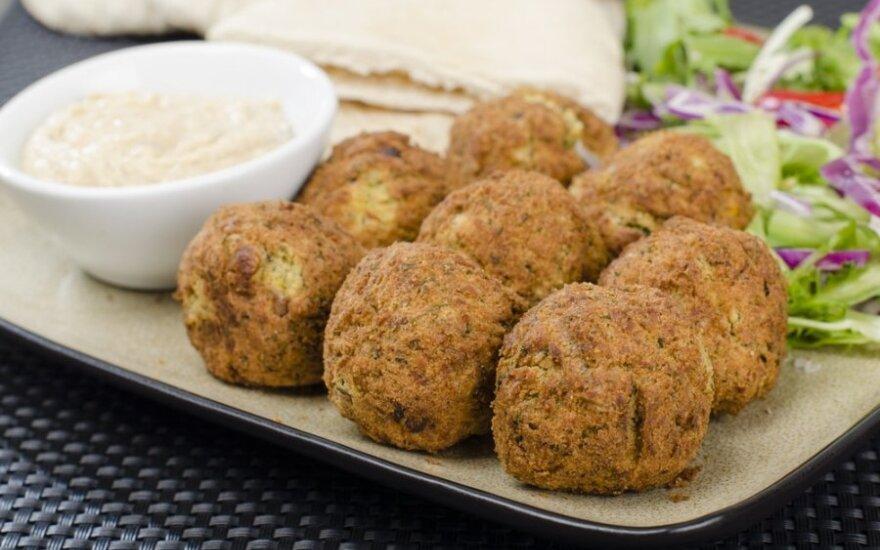 Gardus patiekalas iš avinžirnių: traškieji falafeliai