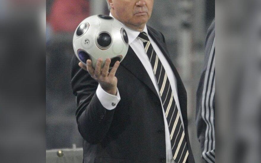 "G.Hiddinkas iki sezono pabaigos vadovaus ""Chelsea"" klubui"