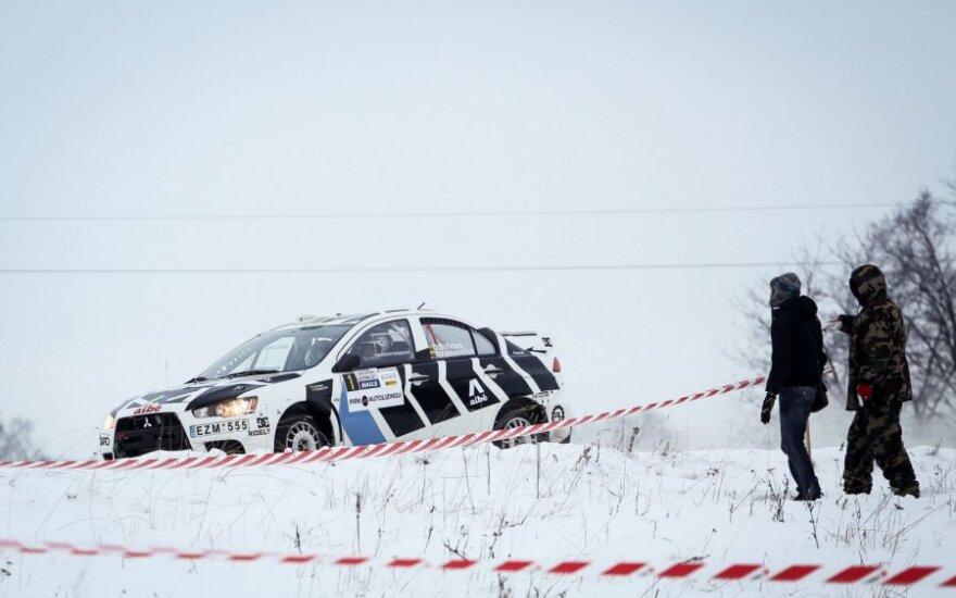 """""""Halls Winter Rally 2013"""" apžvalga po penkių greičio ruožų: didesnių incidentų dėl saugos neįvyko"""