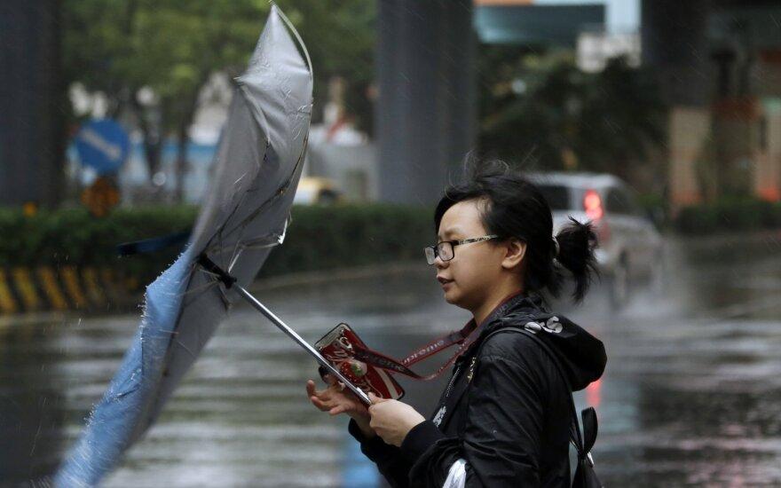 """Prie Taivano artėja taifūnas """"Mitag"""""""