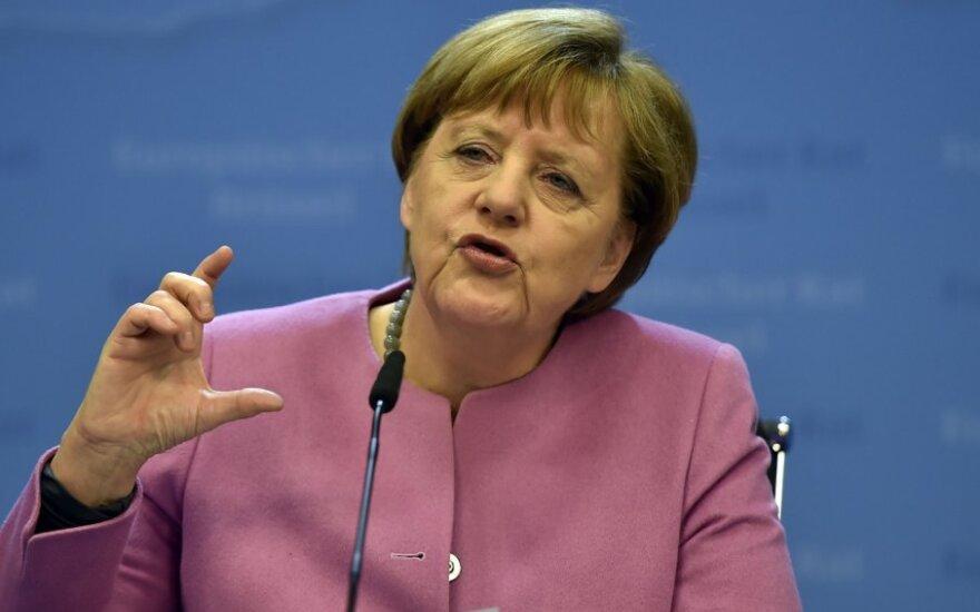 A. Merkel: jeigu nesaugosime išorinių ES sienų, gali sugrįžti nacionalizmas