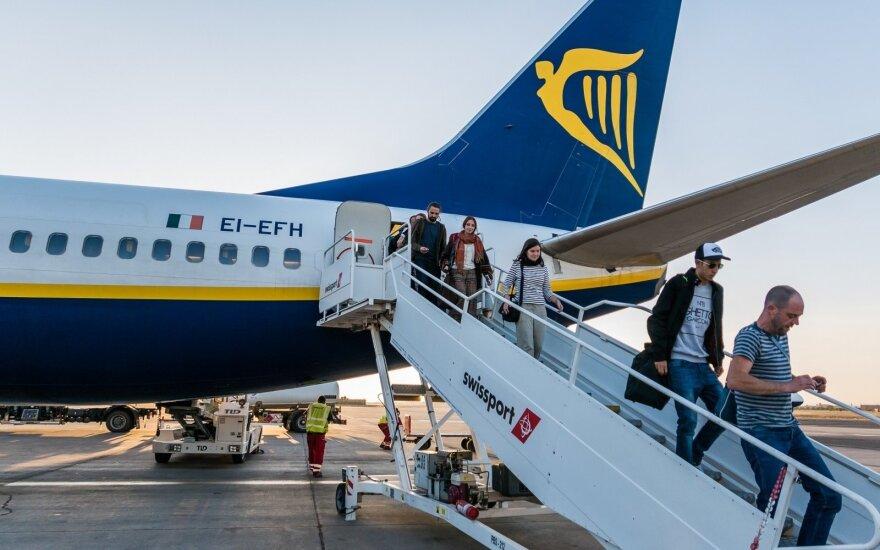 """""""Ryanair"""" siūlo išskirtinę paslaugą: kaina – beveik 5 tūkst. eurų už valandą"""