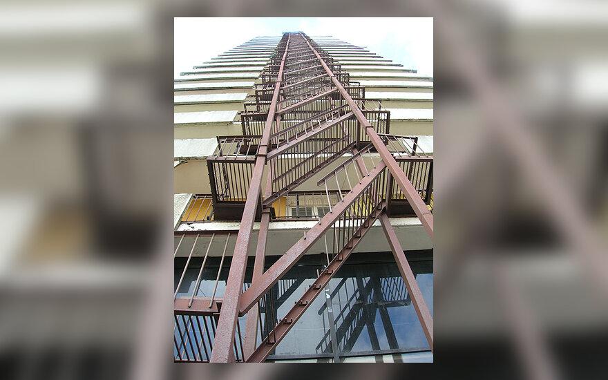 Namas, daugiabutis, pastatas, būstas, statybos, avariniai laiptai