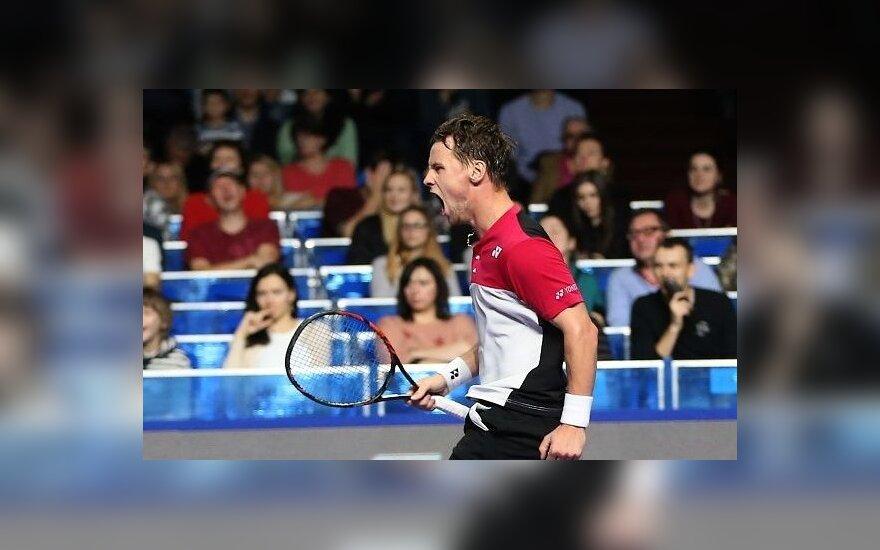 Berankis išlieka geriausių pasaulio tenisininkų šimtuke