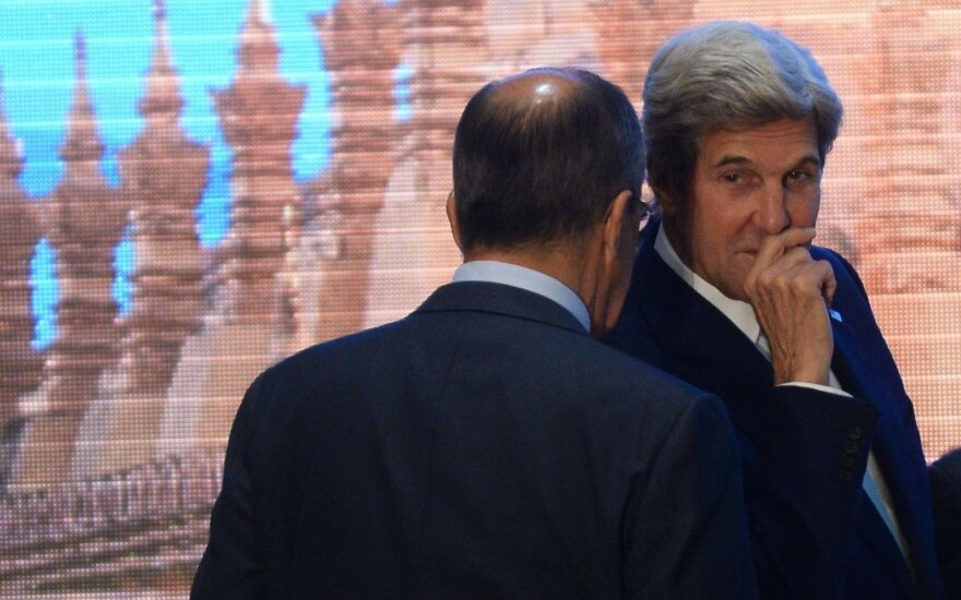 Ženevoje susitinka J. Kerry ir S. Lavrovas