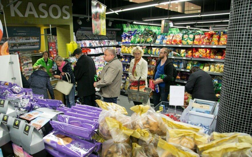 Keičiasi apsipirkimo įpročiai: svarsto kai kurias parduotuves paversti sandėliais ir užsakymus ruošti naktimis