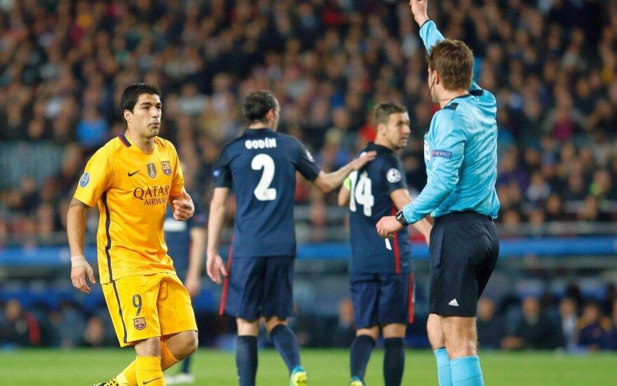 """F. Torresas ir """"Atletico"""" siunta, o vaizdo įrašai įrodo: L. Suarezą reikėjo vyti lauk"""