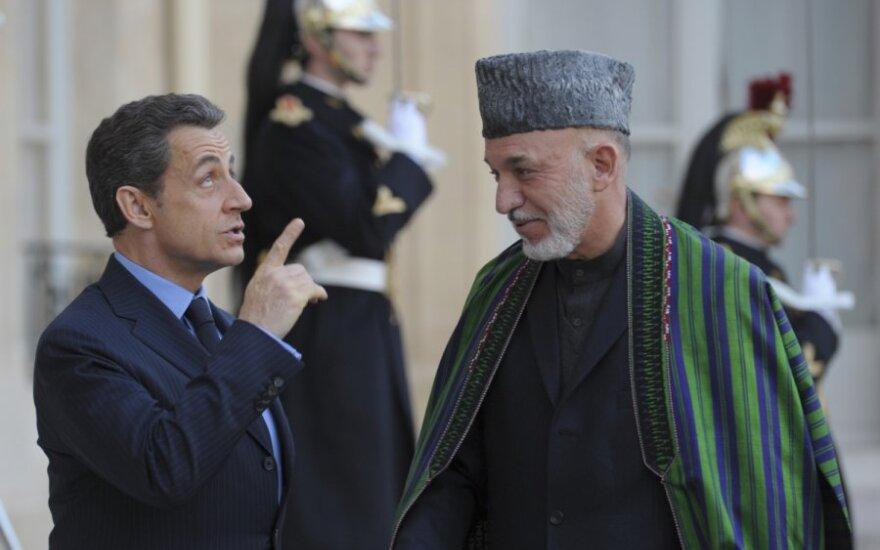N.Sarkozy ir H.Karzai