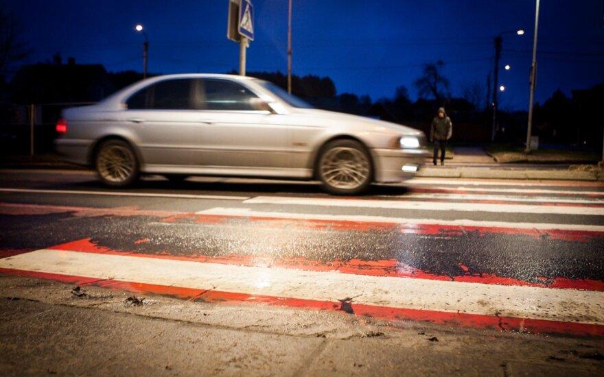 Kodėl sumažinus maksimalų automobiliams leistiną greitį pėsčiųjų žūčių gatvėse tik padaugėjo?