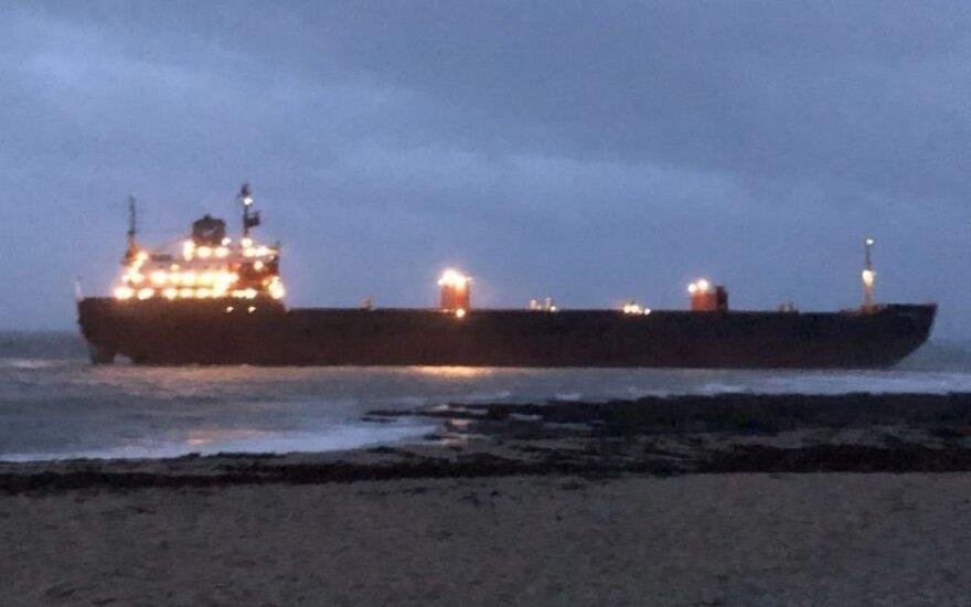 Ant sausumos užplaukė rusų krovininis laivas