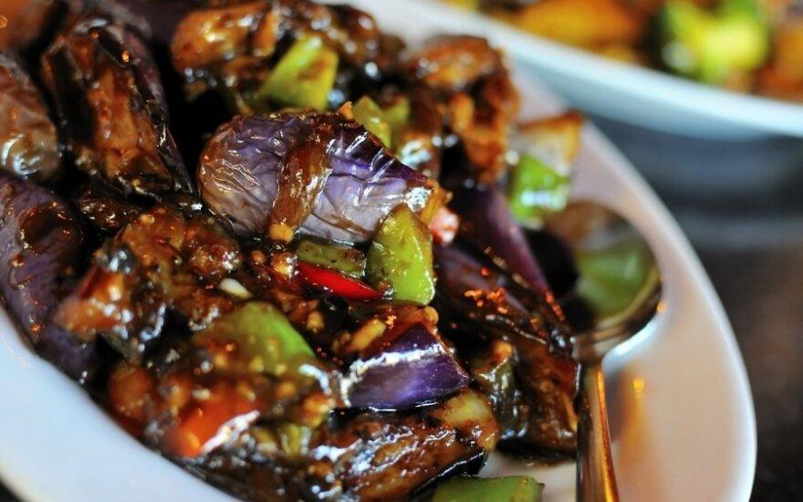 """Traškūs baklažanai kiniškai <span style=""""color: #ff0000;""""><sup>saldžiarūgščiame padaže</sup></span>"""