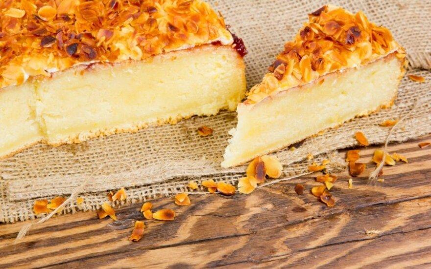 Migdolų ir kokosų pyragas
