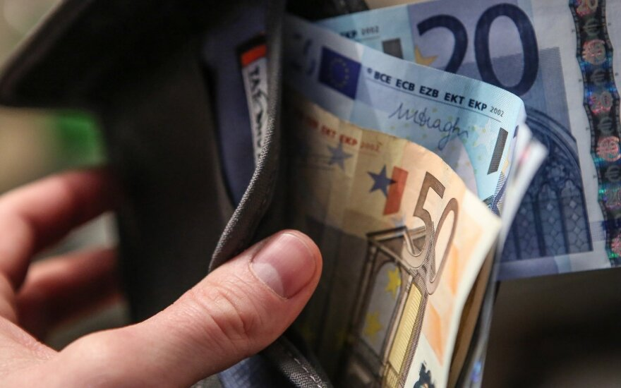 Lithuania to raise minimum monthly wage to EUR 350