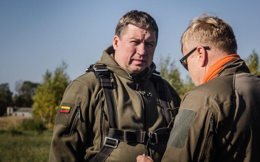 Karoblis: Nausėdai teks greitai apsispręsti dėl naujojo kariuomenės vado