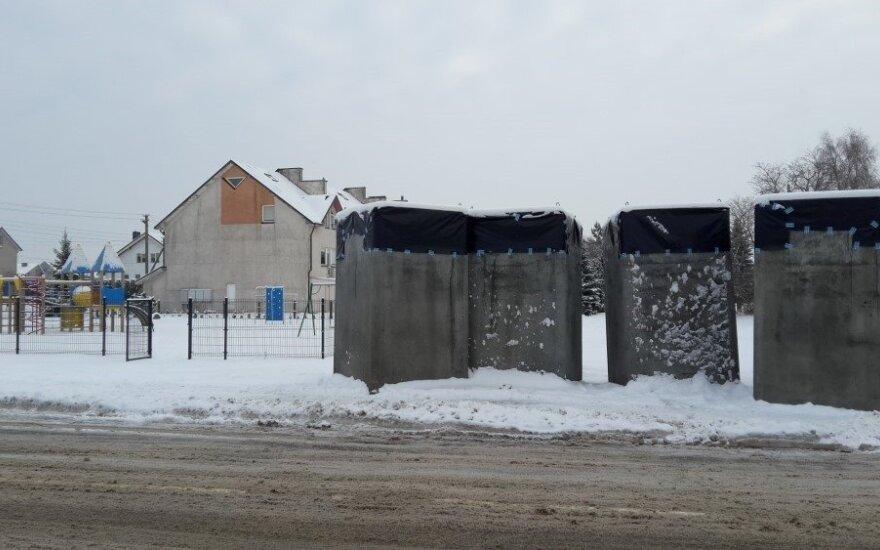 Pusiau požeminiai konteineriai // V. Šleiniūtės nuotr.