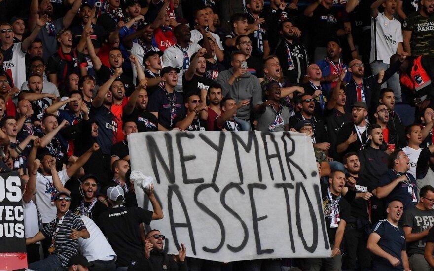 """PSG fanų plakatas """"Neymarą lauk"""""""