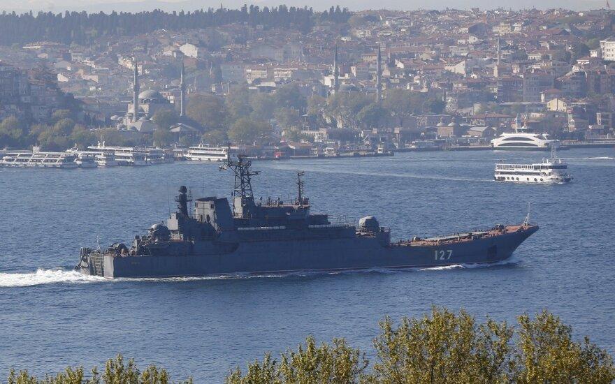 Rusija pradėjo didelio masto karines pratybas Ukrainos pasienyje