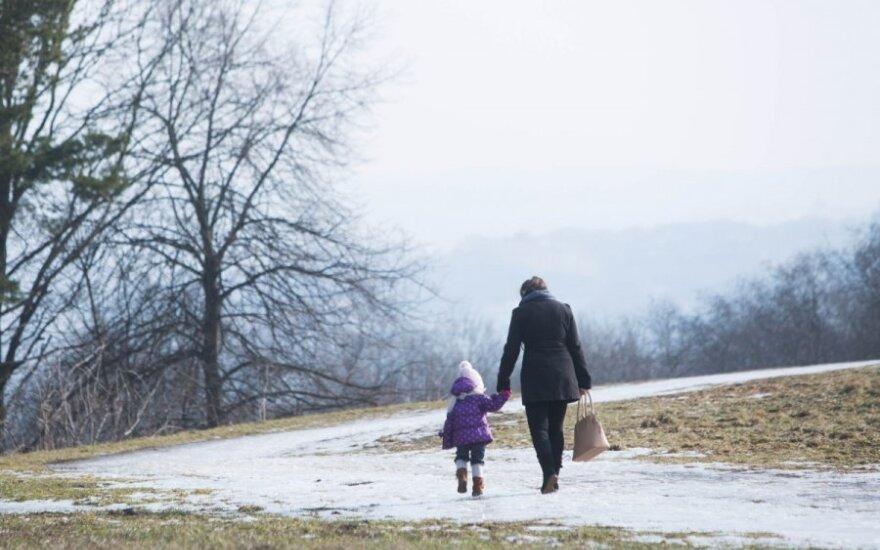 Dviejų vaikų mama prisipažįsta – jaučia aplinkinių pagiežą