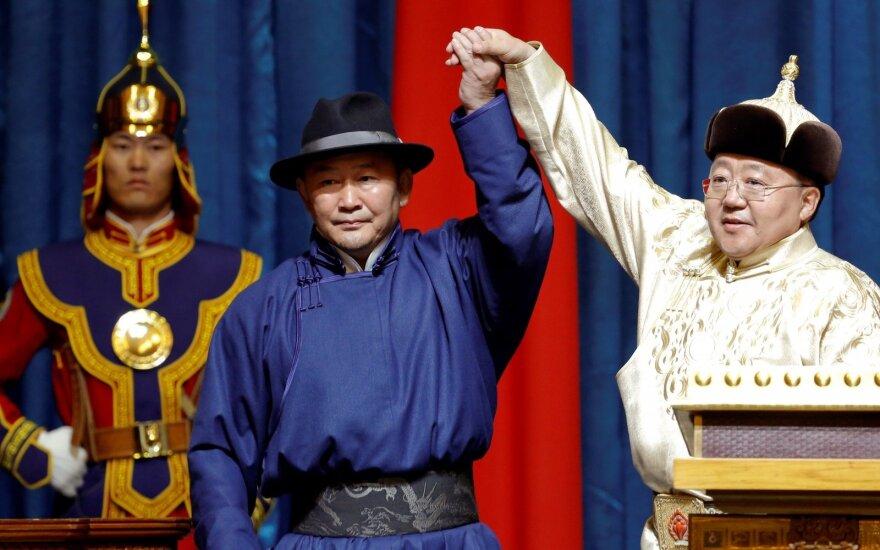 Mongolijos prezidentu prisaikdintas kovos menų ekspertas
