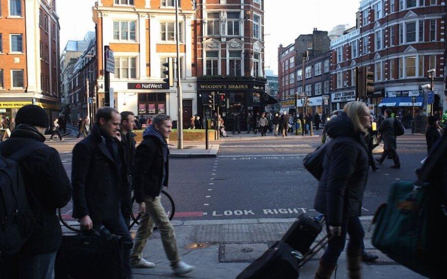 Lietuvė laimės Anglijoje nerado: didžiulė konkurencija ir arogantiškas požiūris paskatino grįžti namo