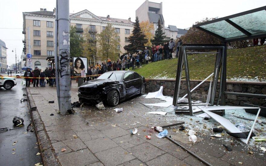 Į stotelę Vilniuje įlėkęs vairuotojas sukėlė dar vieną pasipiktinimo bangą