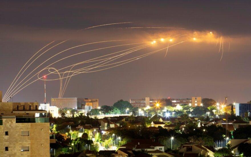 """Izraelio """"Geležinis kupolas"""" numuša """"Hamas"""" raketas"""