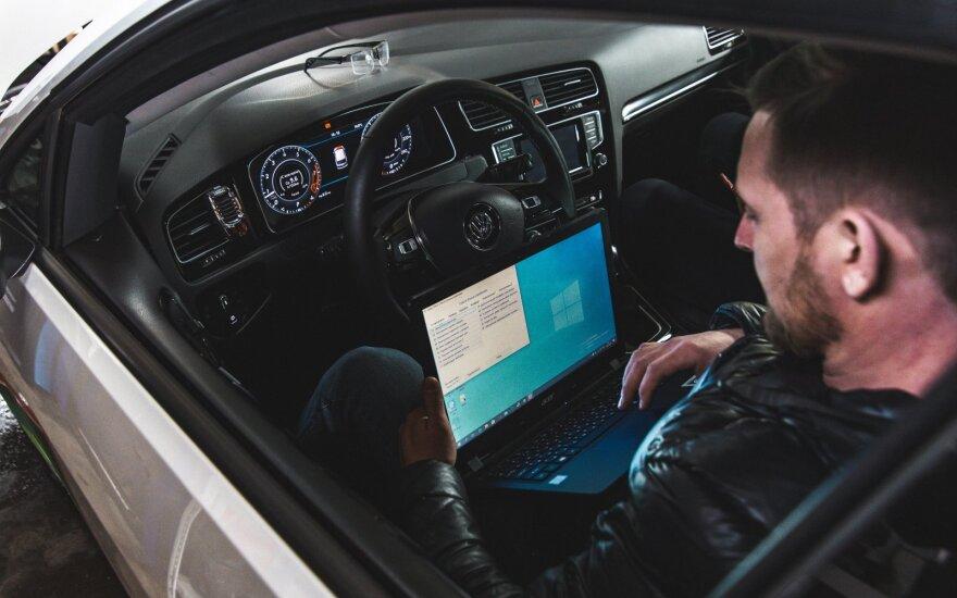 Automobilių hakeriai – ne tik filmuose kaip galite apsaugoti savo automobilius šiandien