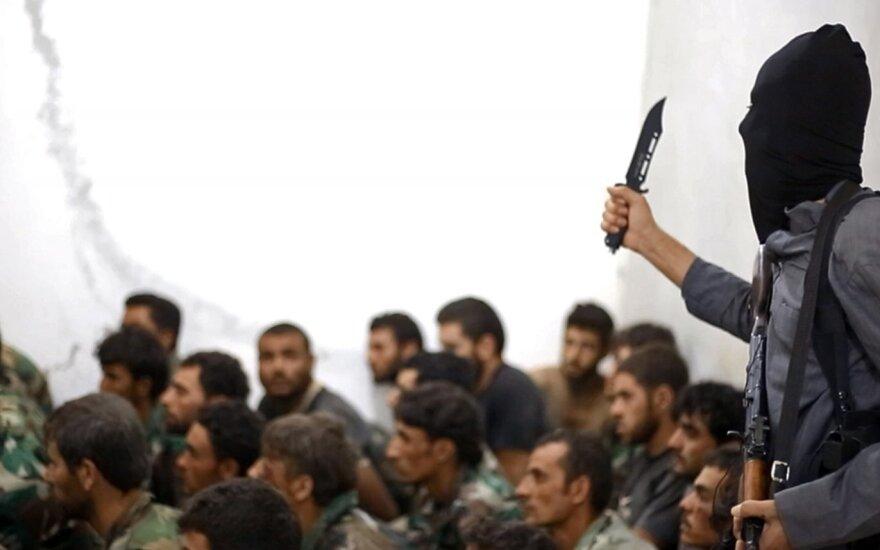 """Vokiečiai neturi vieningos nuomonės dėl šalies pajėgų dalyvavimo karinėse misijose prieš """"Islamo valstybę"""""""