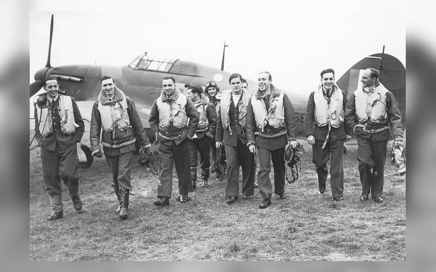 303-ios lenkiškos eskadrilės pilotai