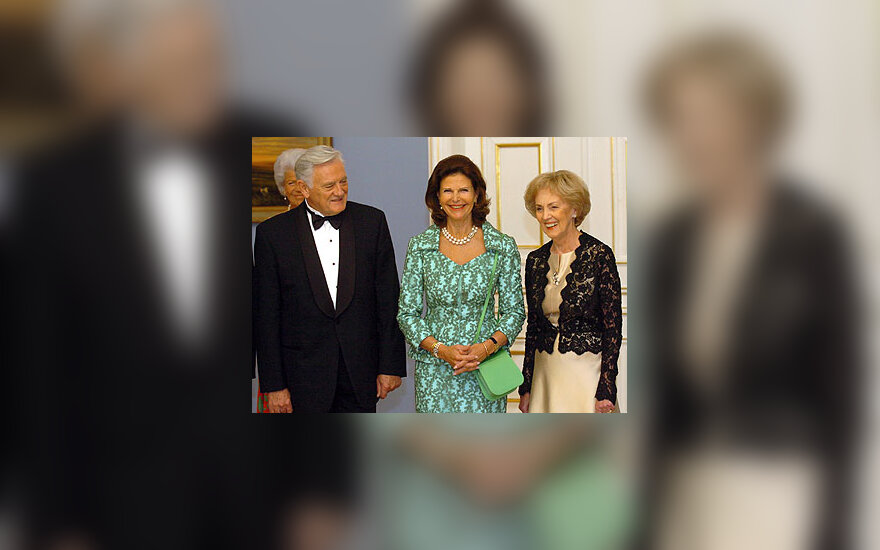 Prezidentas Valdas Adamkus su karaliene Silvija