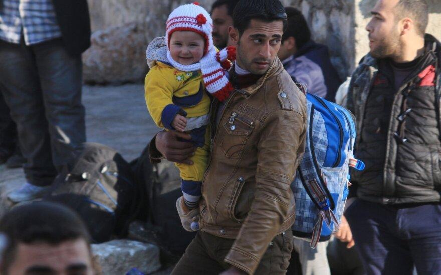 Papasakojo, ką į Švediją atnešė pabėgėliai: gimstamumas didėja