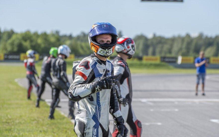 """Pirmąsyk """"Nemuno žiede"""" – motociklų plento žiedo ištvermės varžybos"""