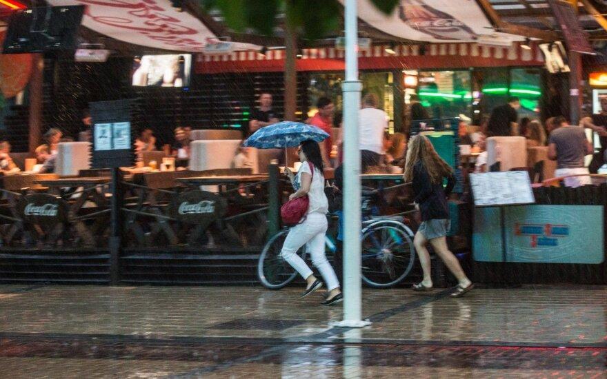 Vasaros pabaigoje – tikras orų akibrokštas: pasiseks tik keliems miestams