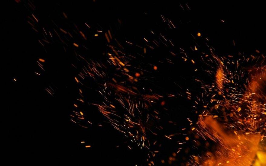 Vilniaus rajone kilo gaisras, žuvo mėgęs išgerti ir parūkyti vyras